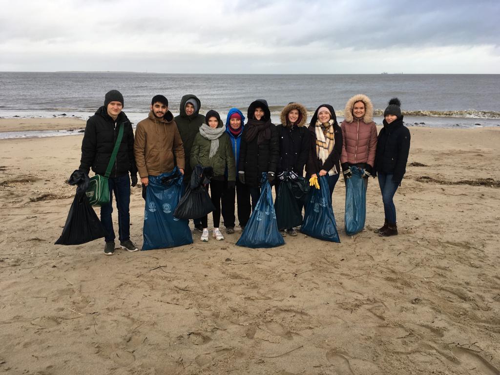 Müllsammelaktion am Strand